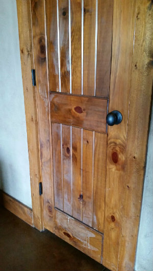 wood-door-kitchen-cabinet-cleaner.jpg